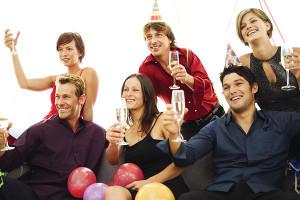 celebrar los aos es un momento especial para mostrar a los amigos y la familia lo mucho que significan se debe tirar la casa por la ventana de alegra