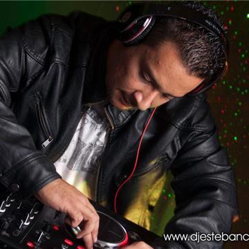 DJ Esteban // Sonido, Iluminación, Pantallas, Neon