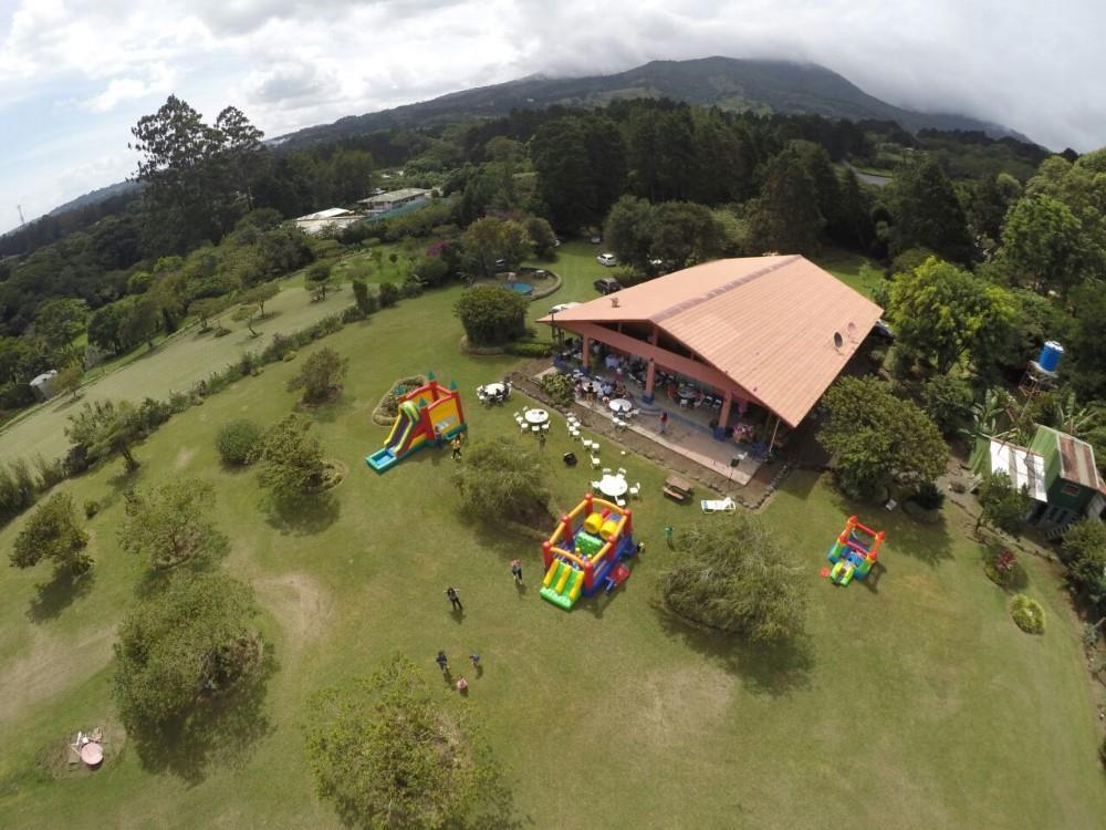 Villa quer heredia costa rica for Villas zurqui