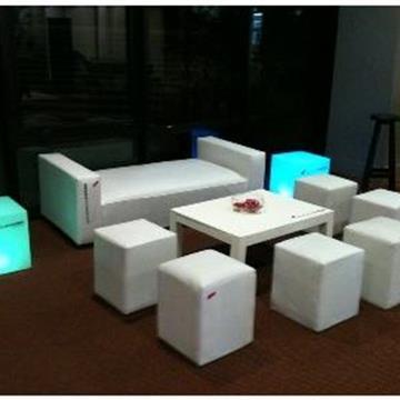 Alquiler de sillas mesas y mobiliario en montevideo for Sillas montevideo